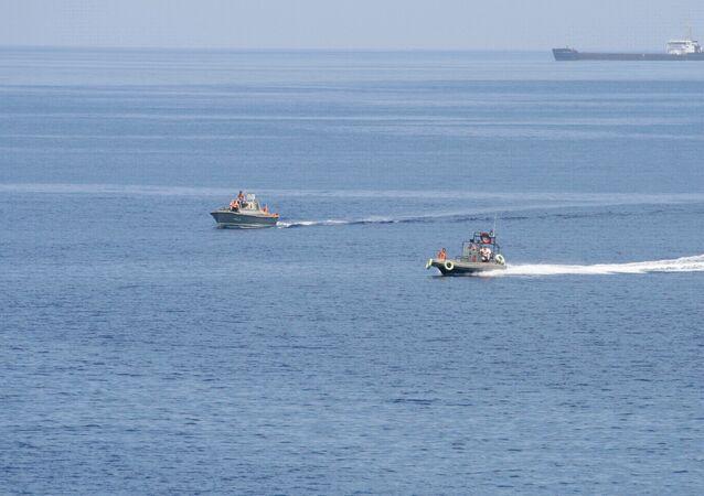 Libération d'un pétrolier russe détourné par des pirates africains