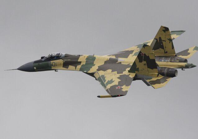 Un Sukhoi Su-35S, chasseur multirôle ultramanœuvrable russe de génération 4++