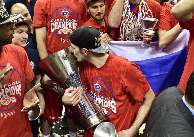 Le CSKA Moscou de Nando De Colo a remporté l'Euroligue