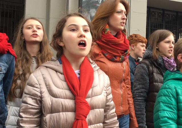 Quand les enfants russes cherchent à conquérir le cœur des Français