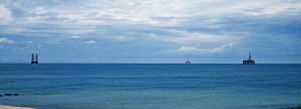 Plates-formes de forage en mer Caspienne - Sputnik France