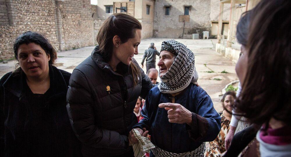 Angelina Jolie  rencontre des déplacés irakiens