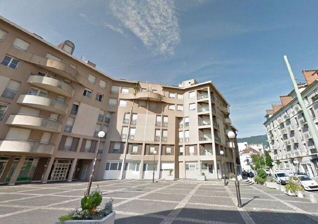 Ce lundi 23 mai, en effet, la devanture de la permanence socialiste de Grenoble a été retrouvée criblée de balles.