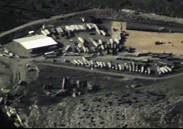 Destruction de camions acheminant du pétrole vers la Turquie