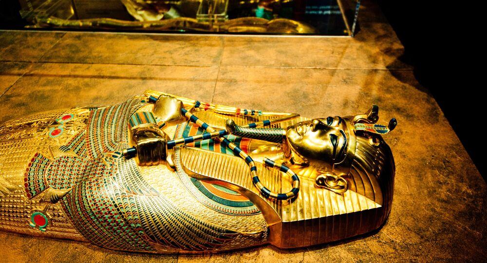Le sarcophage de Toutankhamon