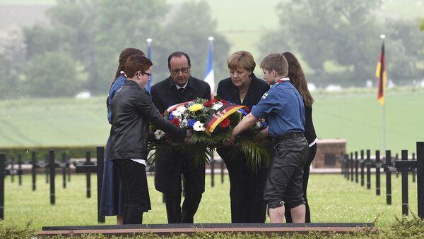 François Hollande et Angela Merkel à Consenvoye - Sputnik France