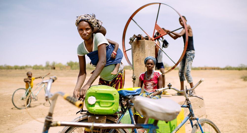 La collecte de l'eau, calvaire de plus de 17 millions d'Africaines