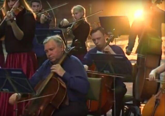 Un orchestre ukrainien joue Game of Thrones chez les métallos