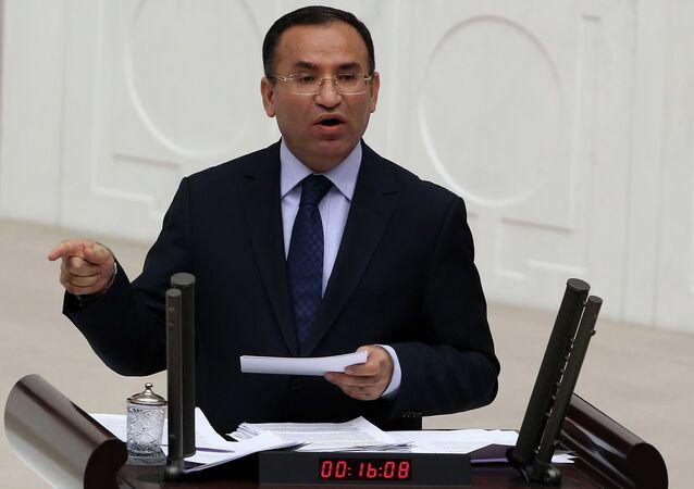 Bekir Bozdeg, ministre turc de la Justice