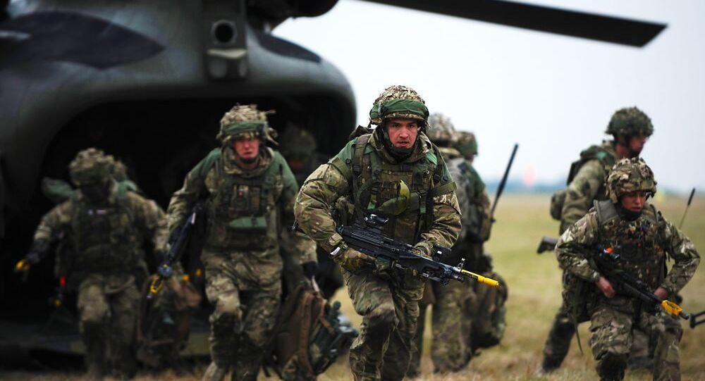 Les soldats britanniques
