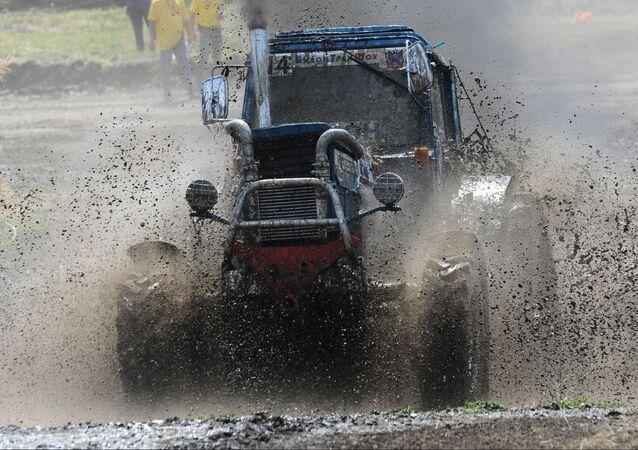 Course internationale de tracteurs Bison Track Show 2016