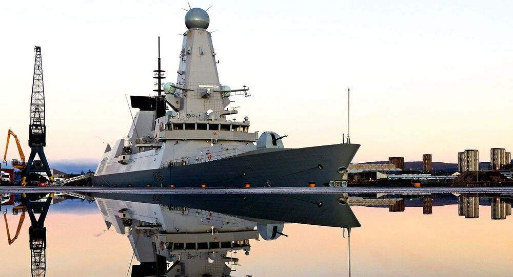 Destroyer HMS Defender de Type 45