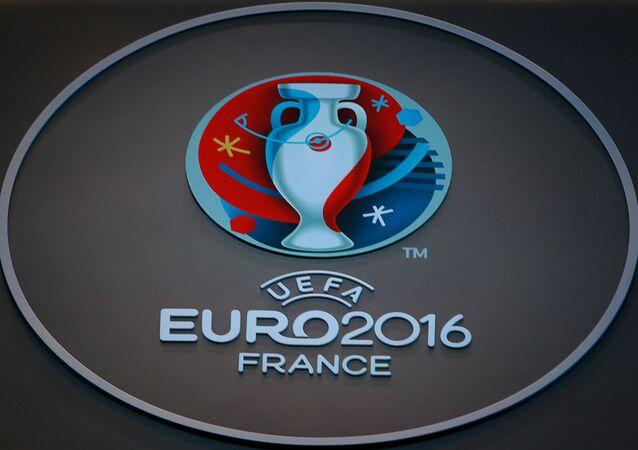 Le logo officiel de l'UEFA lors de l'Euro 2016 à Paris, France
