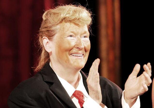 Meryl Streep takes stage dressed as Donald Trump
