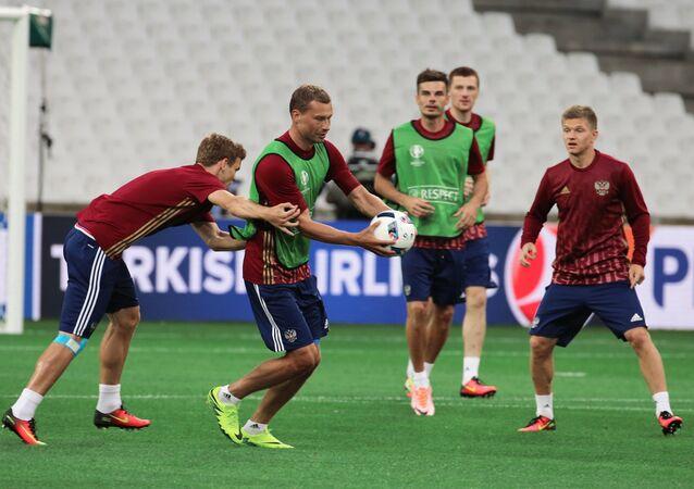 L'équipe russe de football à l'entraînement à Marseille