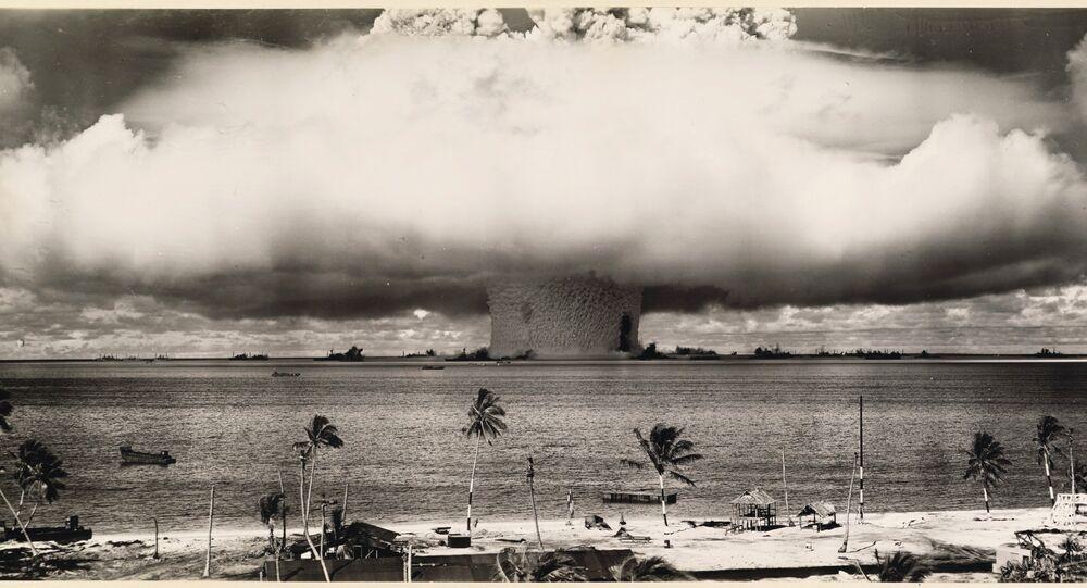 US Government Navy. An underwater atomic bomb test at Bikini Atoll in 1946, Bikini Atoll, Marshall Islands, Micronesia
