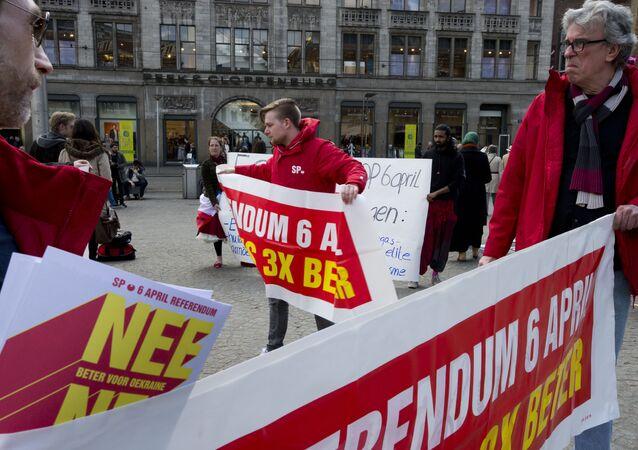 Les manifestants appellent à un vote «NON»