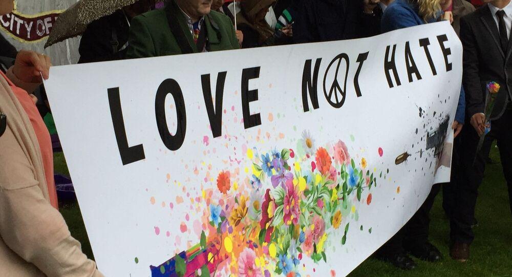 Manifestation de solidarité avec les victimes du massacre d'Orlando