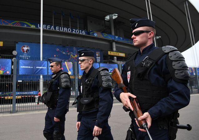 Une patrouille de police française