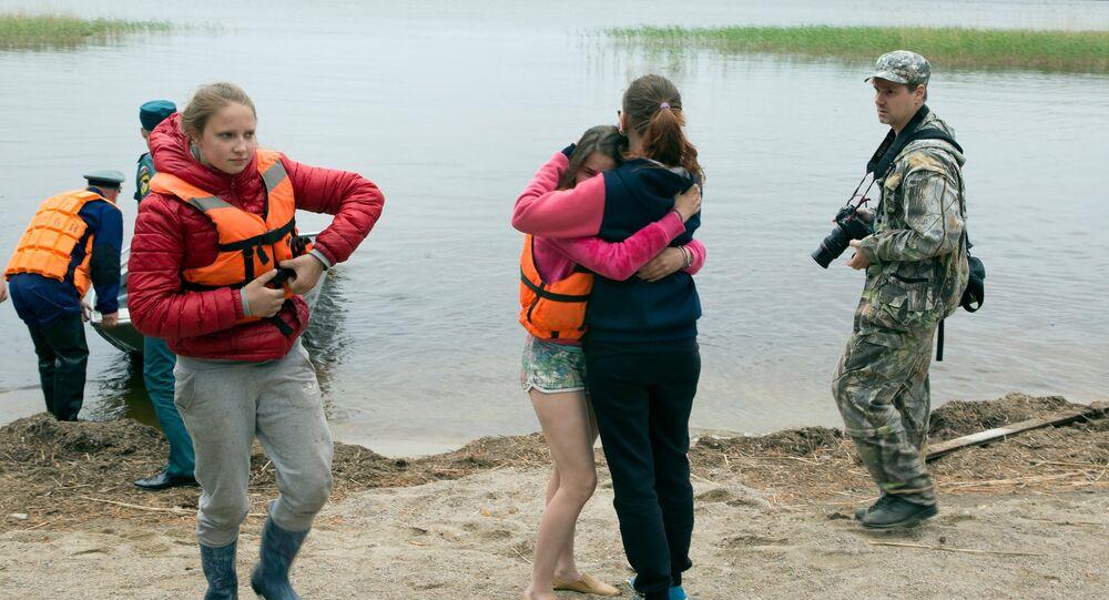 Les rescapés du naufrage sur le las Siamozero en Carélie
