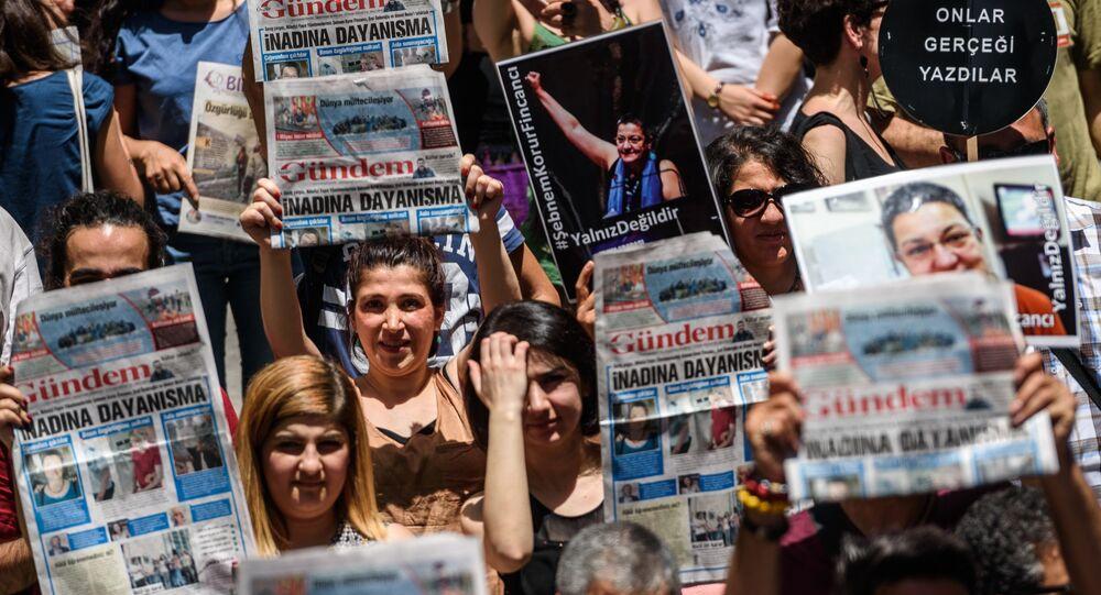 La campagne de solidarité avec la presse pro-kurde a été chargée d'attirer l'attention sur la situation catastrophique de la liberté de la presse dans le pays.