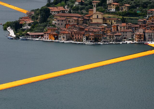 Floating Piers de Christo