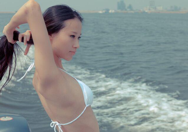 Une femme asiatique