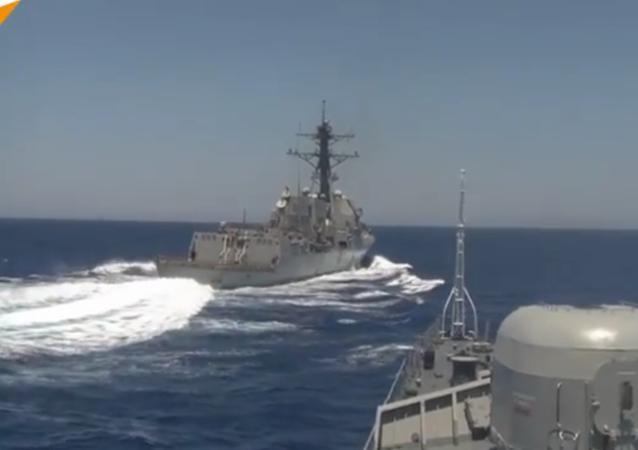 En Méditerranée, le destroyer américain USS Gravely s'est dangereusement approché du patrouilleur russe Iaroslav Moudry