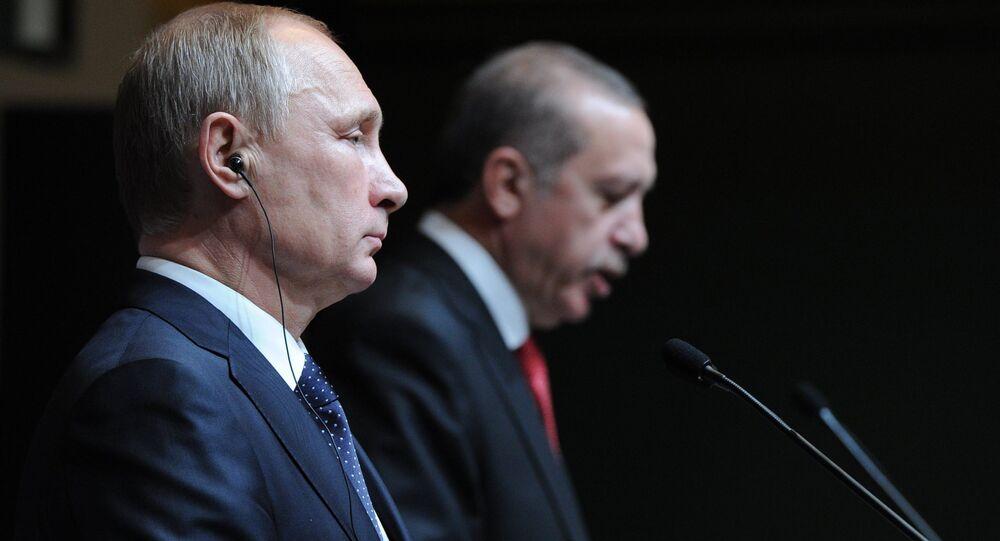 Poutine et Erdogan lors de la visite du président russe en Turquie