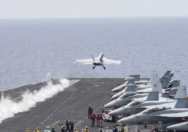 U.S. Navy F/A-18E Super Hornet fighter jet