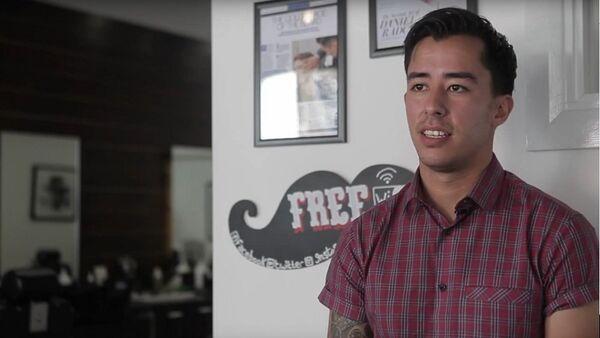 Miguel Guttierrez, un coiffeur de Liverpool baptisé coiffeur nomade - Sputnik France