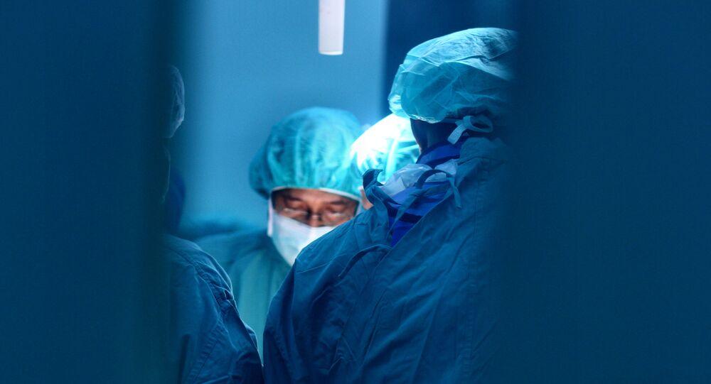 Des médecins