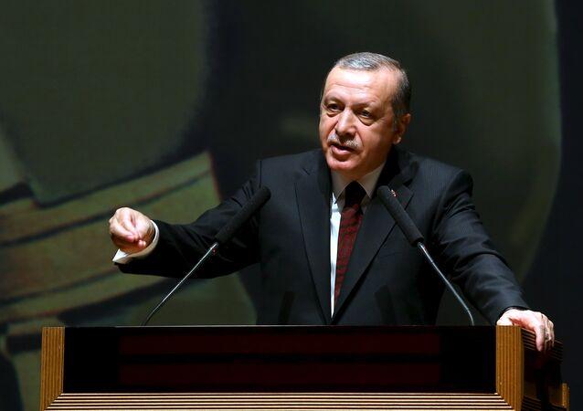 L'avion d'Erdogan aurait été dans la ligne de mire des F-16 des putschistes