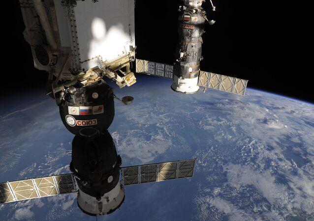 Trois nouveaux astronautes en route vers l'ISS