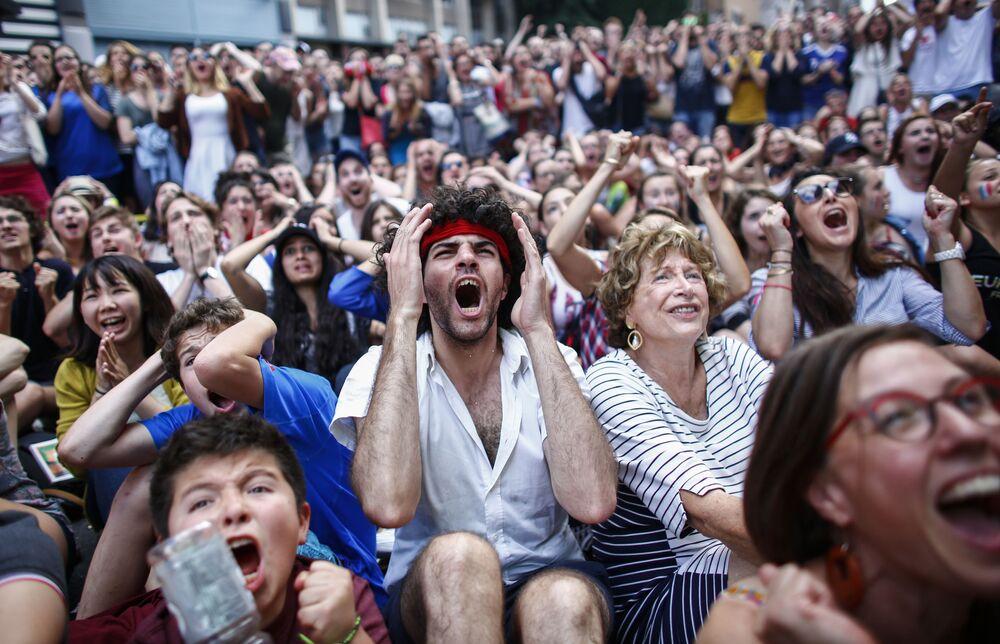 Les spectateurs du match France-Portugal à New York.