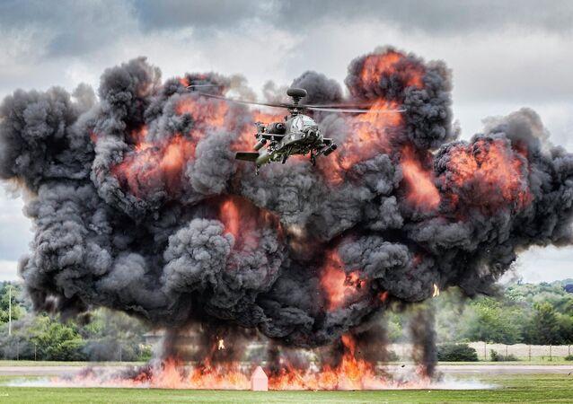 L'hélicoptère Apache des forces aériennes britanniques