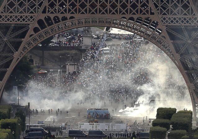 la fan-zone de la Tour Eiffel