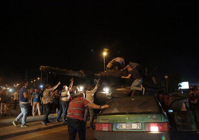 La tentative de coup d'Etat militaire en Turquie