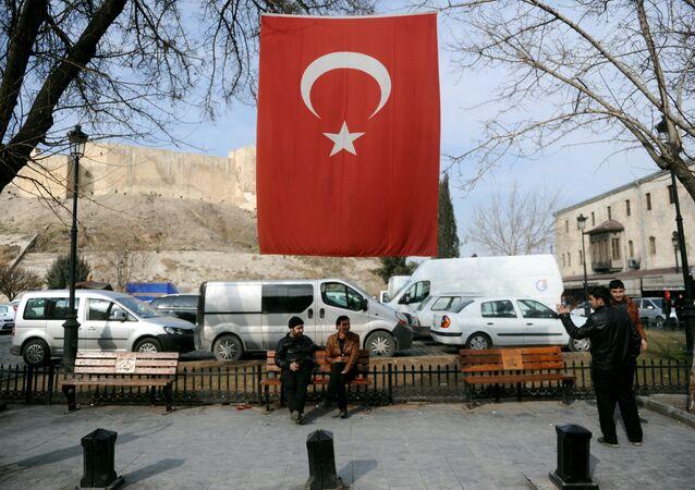 Turquie: un kamikaze se fait exploser lors d'une opération policière