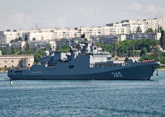 La frégate Amiral Grigirovtich à Sébastopol