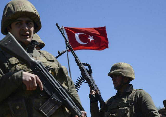 Des soldats de l'armée turque