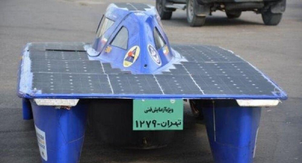 La voiture solaire iranienne fait le tour du pays