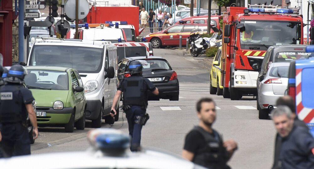 Prise d'otages dans une église à Saint-Etienne de Rouvray