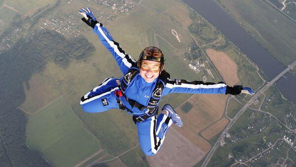 Le parachutisme c'est pour les amateurs de sensations fortes - Sputnik France