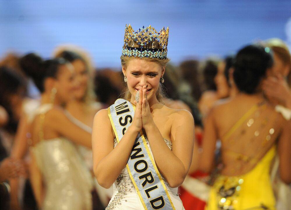 Alexandria Mills, un mannequin américain, a été élue Miss Monde en 2010, à l'âge de 18 ans
