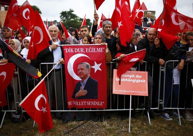 Les partisans du président turc Recep Tayyip Erdogan à Cologne
