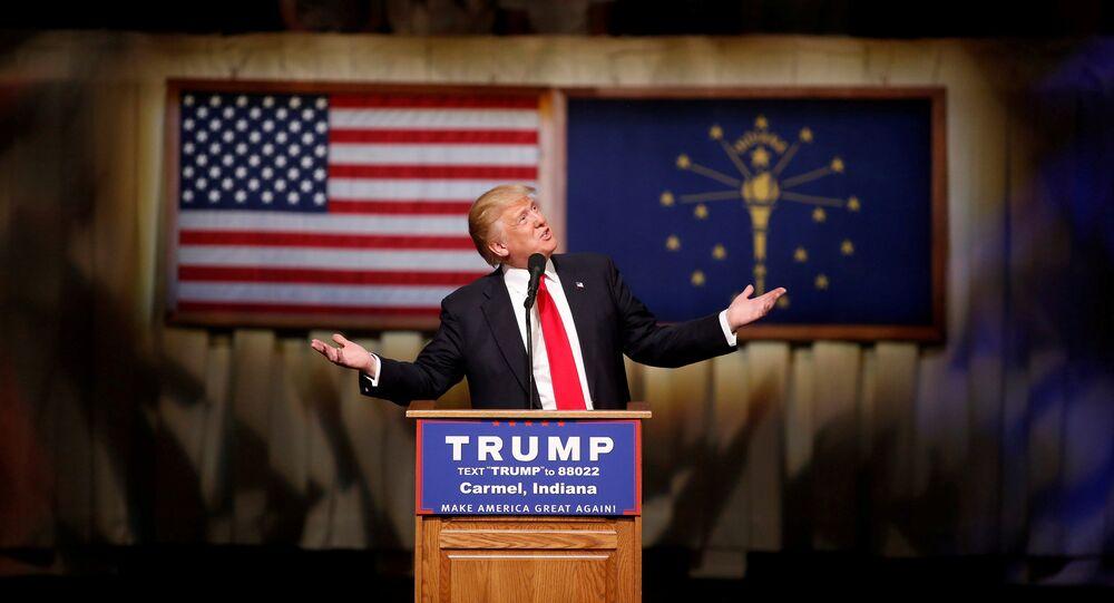«Incapable de faire 5 mètres»: Trump se moque d'Hillary Clinton (vidéo)