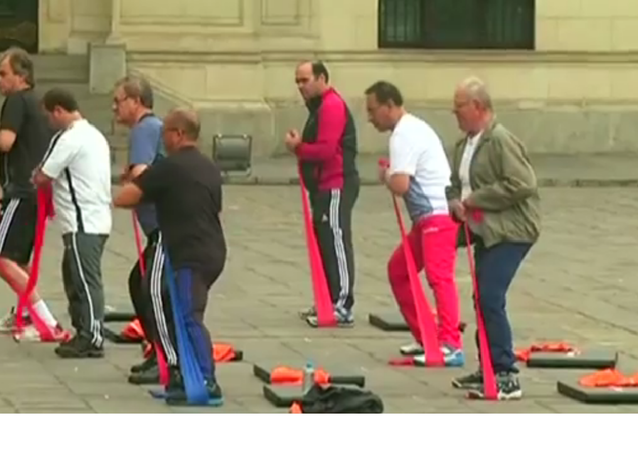 Séance de gym des ministres au Pérou