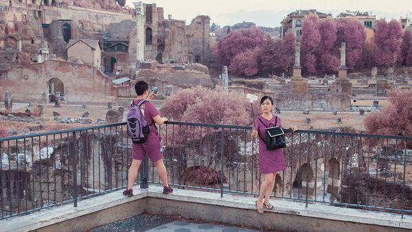 Rome touché par la vie en rose - Sputnik France