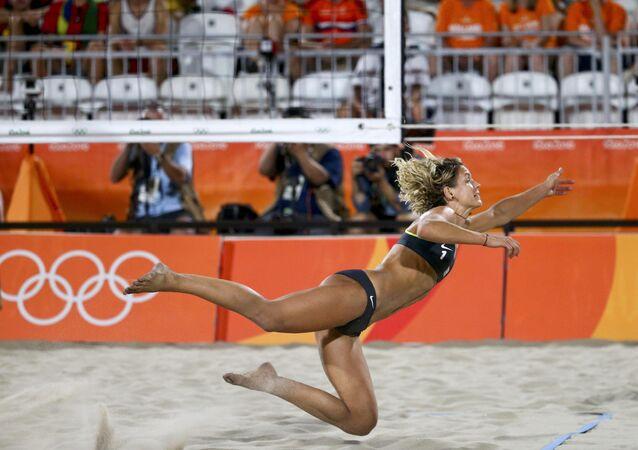 La joueuse allemande Laura Ludwig lors des Jeux olympiques 2016 à Rio
